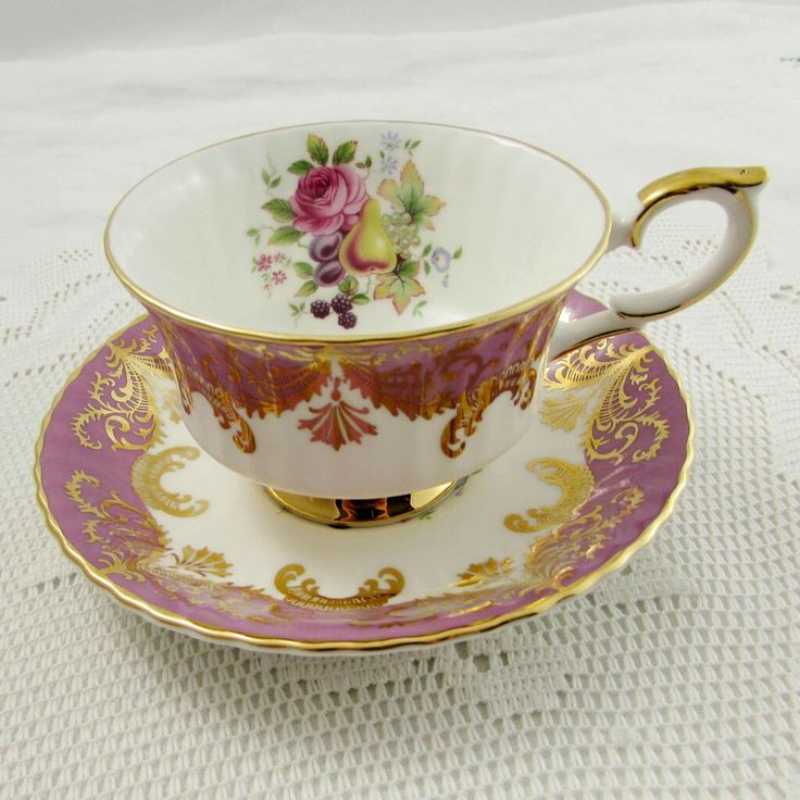 Beautiful old fashion tea cup