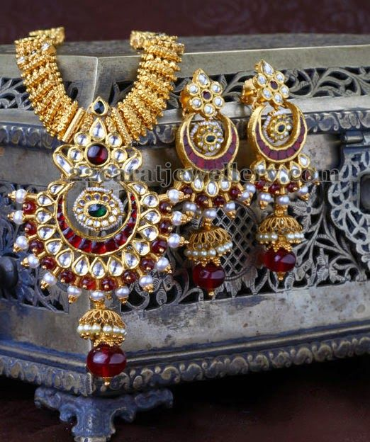 Jewellery Designs: Heritage Gold Long Chain with Jhumkas