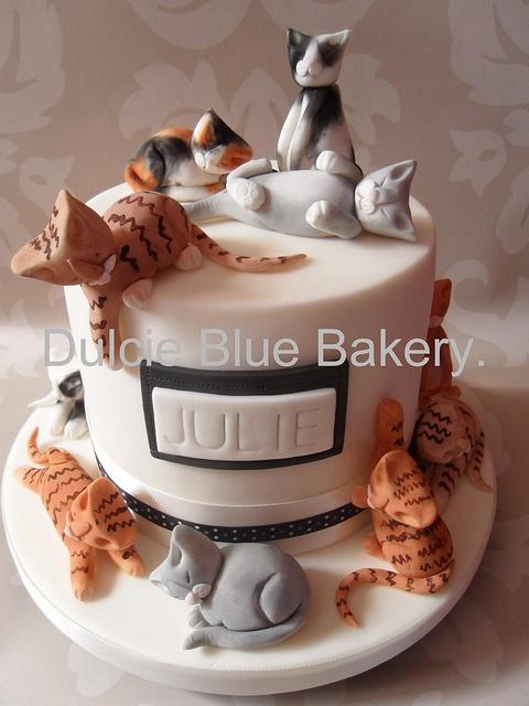 The 25 best Cat cakes ideas on Pinterest Cat birthday cakes