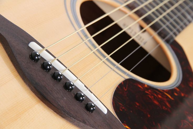 Do you want to get a Best Quality Acoustic Guitar for Beginners? This is a Good Reviews for Cheap Acoustic Guitars price but quality sounds and nice finish.