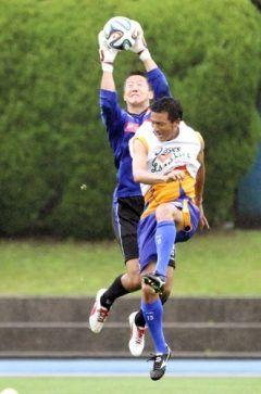 日本サッカー協会は日日に大阪府内で行う日本代表候補による初のGK合宿の招集選手人を発表しました 中でも注目選手はJ松本所属のシュミットダニエル選手 現在Jクラブに所属するGKでは番目の長身センチの身長を活かしハリルジャパンの秘密兵器になりそうです