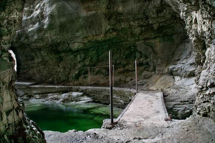 Grotta dei partigiani lago del Mis