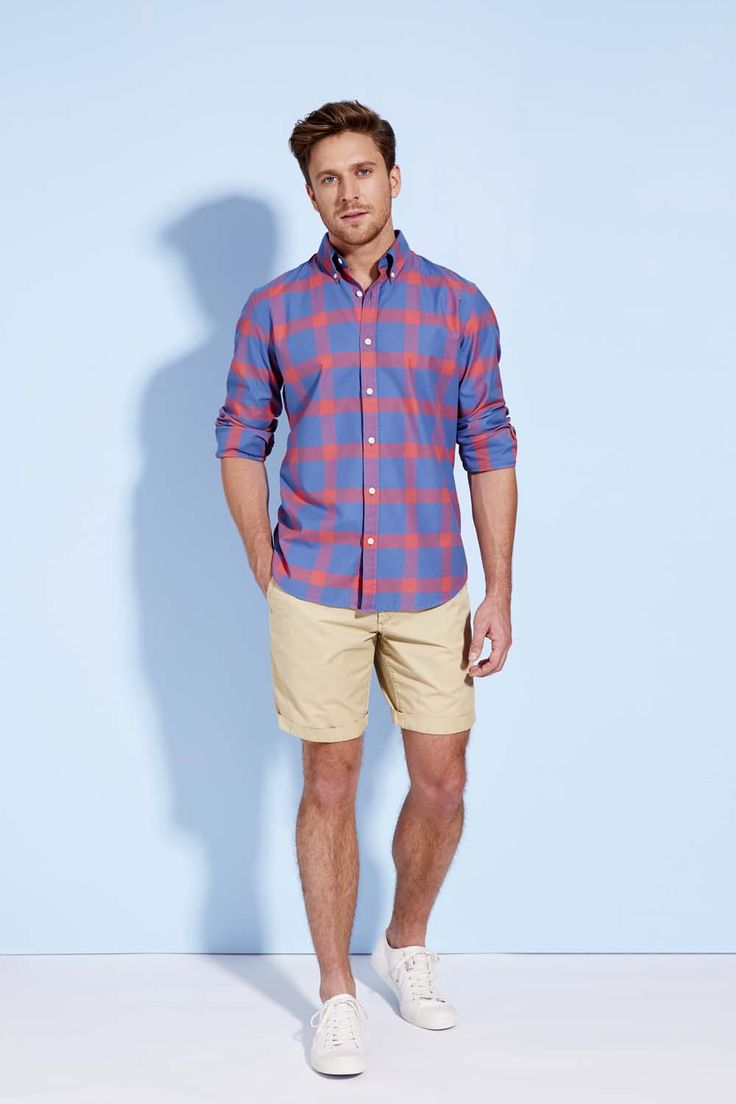 This tailored check shirt strikes the perfect balance between relaxed and refined. Bold, but not overbearing, this shirt is best paired with a light wash short or pant.
