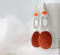 Wooden earrings / Серьги крупные оранжевые Лия. Авторские украшения Уральские сказы.
