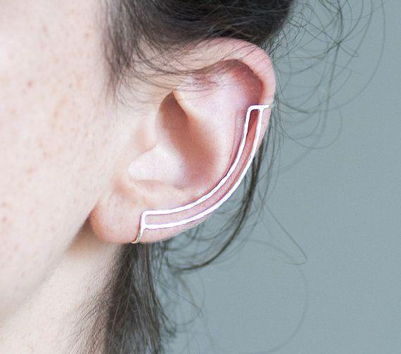 Manchette d'oreille en argent sterling. Boucle d'oreille minimaliste. Lignes martelés. Aucun perçage.