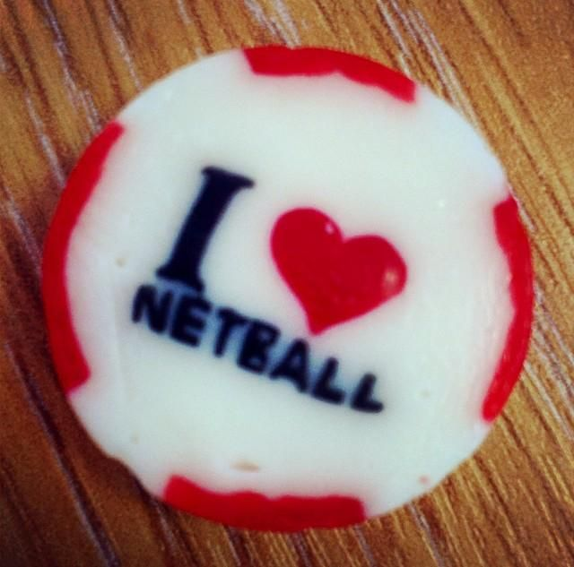 The best sort of office sweets @England_Netball #IHeartNetball pic.twitter.com/weicoIf5n4