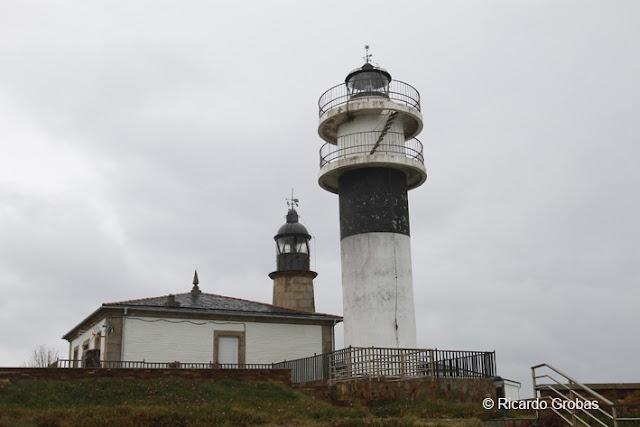 2. Faro Punta Atalaya  en San Cibrao - Cervo, (Lugo), el tráfico de los barcos que transportaban sillería y materias primas para Sargadelos hizo necesaria una luz en la Atalaya de San Cibrao.