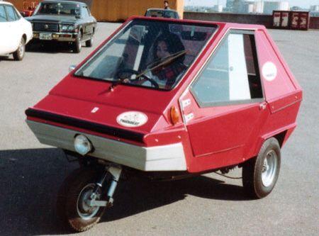1979年に京都市内のメーカーで輸入されたall cars社製、タイガービート。タイガービートという名前は日本のみで、本国イタリアではCharlyという名前で販売されていた。その後福岡県久留米市内のオールカーズジャパンにてノックダウン生産される。ここで生産されたのは、おそらく後期モデルと思われるビバチャーリーという車だ。