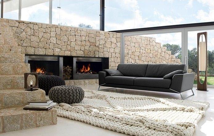 geniş ve lüks salon dekorasyonu için taş duvar uygulaması - joop teppich wohnzimmer