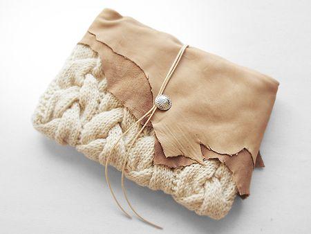 ニットクラッチバッグ-Leather-NA_OWT - Beyond the reef 一つ一つ丁寧に編み上げるハンドメイドのクラッチバッグ