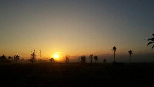 Sunrise in Tondano Remboken