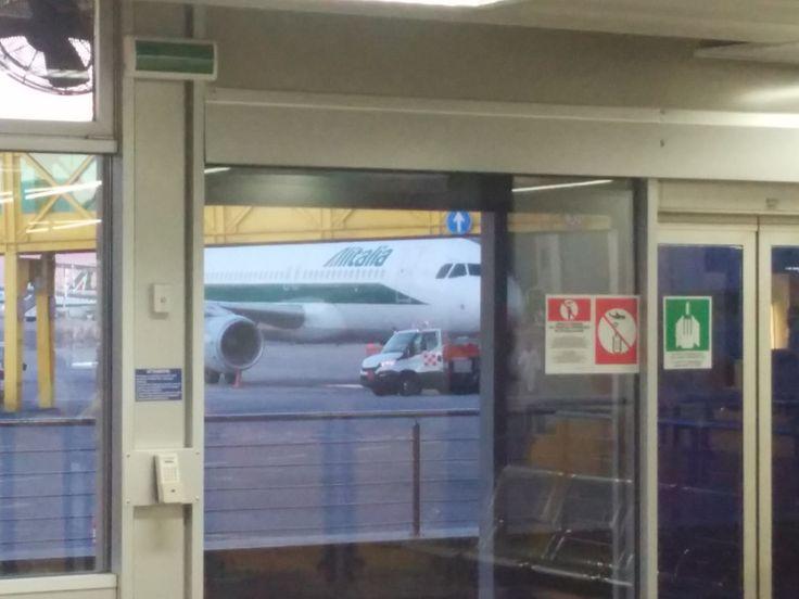 Come probabilmente tutti sapete Alitalia sta attraversando un periodo di crisi. Ieri, in un comunicato stampa ufficiale è stato annunciato