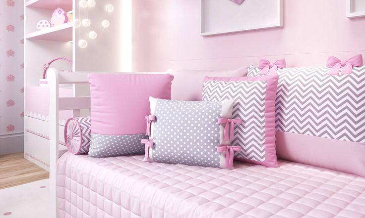 As Almofadas Amiguinhas compõem com o kit cama babá do quarto de bebê rosa de um jeito incrível! A estampa poá e o chevron cinza e rosa combinam com perfeição nesse conjuntinho exclusivo da Grão de Gente!