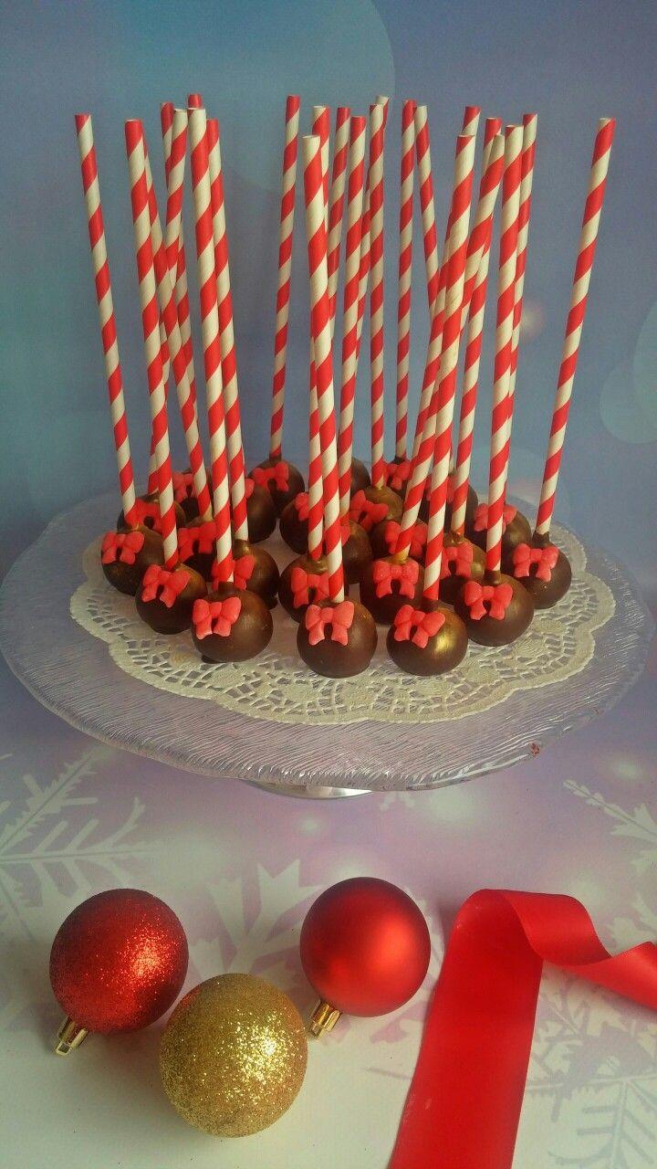 Festive cake pops