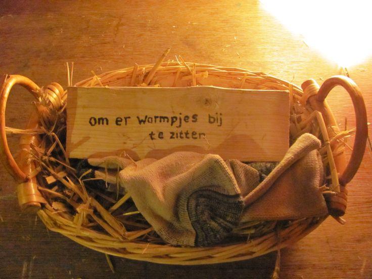 Geef je geld eens op een originele manier aan het bruidspaar in een 'oude' sok. www.creanatura.webklik.nl