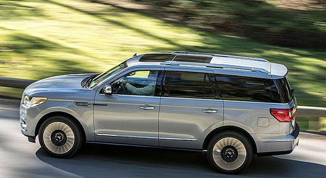 2019 Lincoln Navigator Hybrid