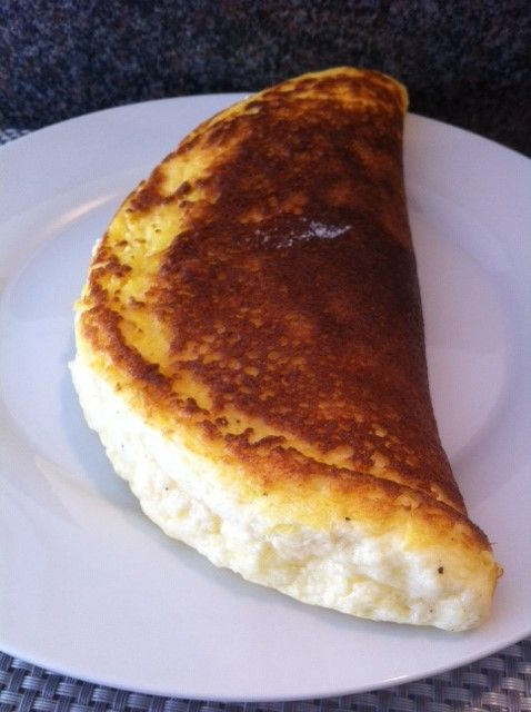 Découvrez la recette omelette soufflée au fromage sur Cuisine-actuelle.fr.