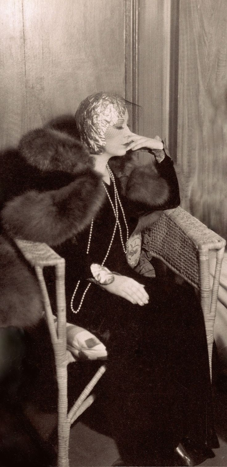 MAE WEST rehearses her lines 1933 (please follow minkshmink on pinterest) #maewest #thirties #thirtiesfashion