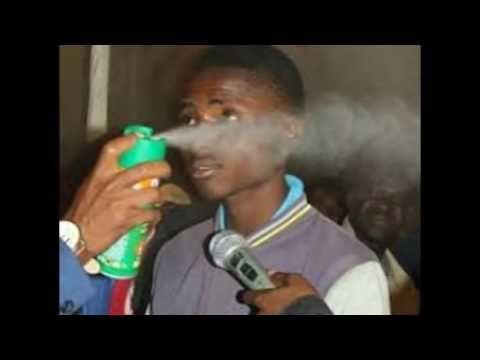 (15) Detienen al «profeta de Doom» que aseguraba curar cáncer y Sida con spray insecticida en Sudáfrica - Noticias gays en Universo Gay