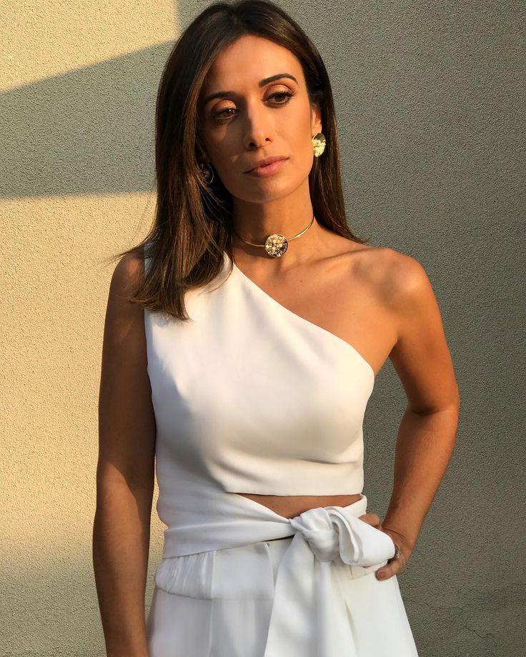 """5,784 curtidas, 81 comentários - Silvia Bussade Braz (@silviabraz) no Instagram: """"Lebanese girl 🇱🇧A raça veio forte nessa foto 😜 De pertinho para mostrar minhas escolhas de hoje…"""""""