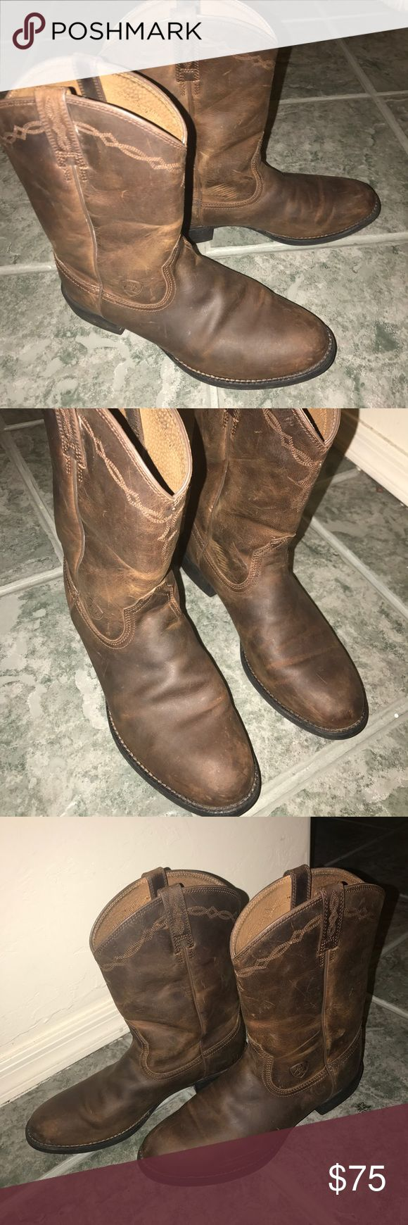 Women's Ariat Cow boy boots size 8.5 Women's Ariat cow boy boots size 8.5, boots as pictured Ariat Shoes Ankle Boots & Booties