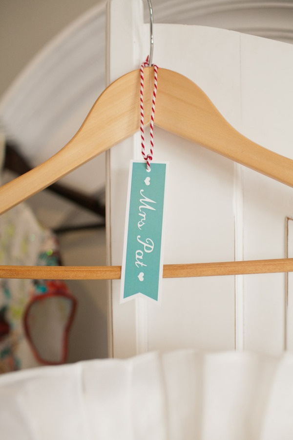 an adorable Mrs. tag for your wedding dress. would also be fun to make them for the bridesmaids  Photography by sutherlandkovach.com: Wedding Dressses, Wedding Ideas, Bridesmaid Dresses, Cute Ideas, Hanging Tags, Bridesmaid Hangers, Names Hangers, Ideas Photography, Bridesmaid Photography