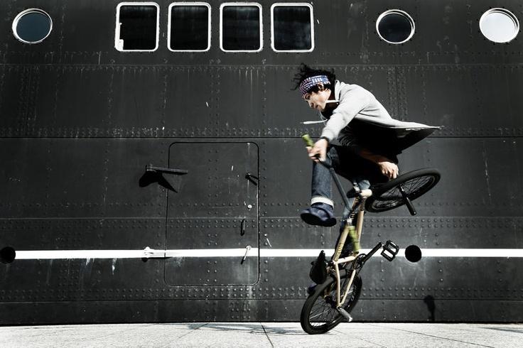 Ucchie / Yohei Uchino Awesome Flatlander.  #BMX #Flatland