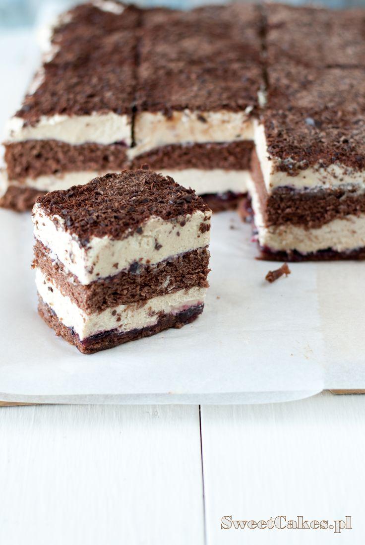 CHOCOLATE CAKE WITH HALVA FILLING chałwowiec
