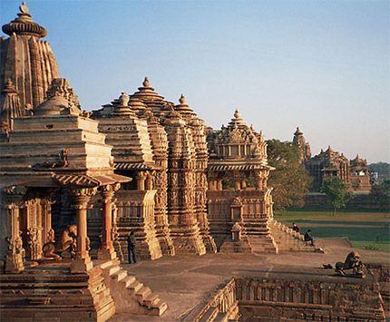 #India: #Khajuraho, sculture d'amore e di guerra