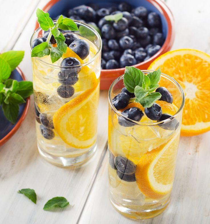 Deze 6 smaakwaters zijn lekker fris, smaakvol én erg gezond omdat ze water combineren met fruit! Probeer de recepten met verschillende soorten fruit.