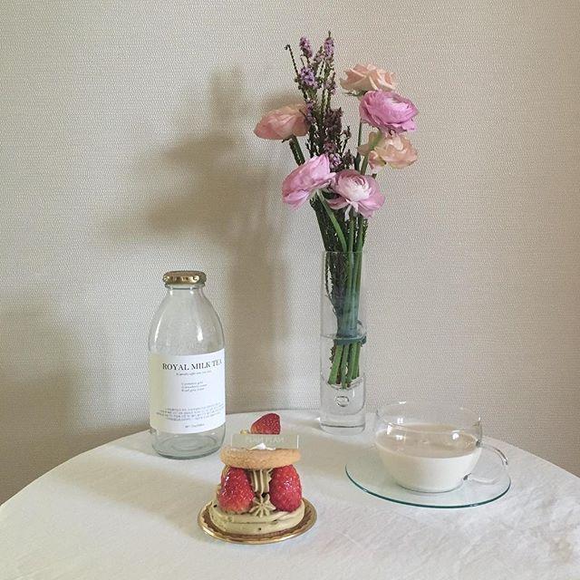 - 야매꽃꽂이와 아껴뒀던 플랑플랑 케이크 - #노메리홈카페 #플랑플랑 #르자당플라워 #진정성밀크티 #planplan #cake #flower #daily