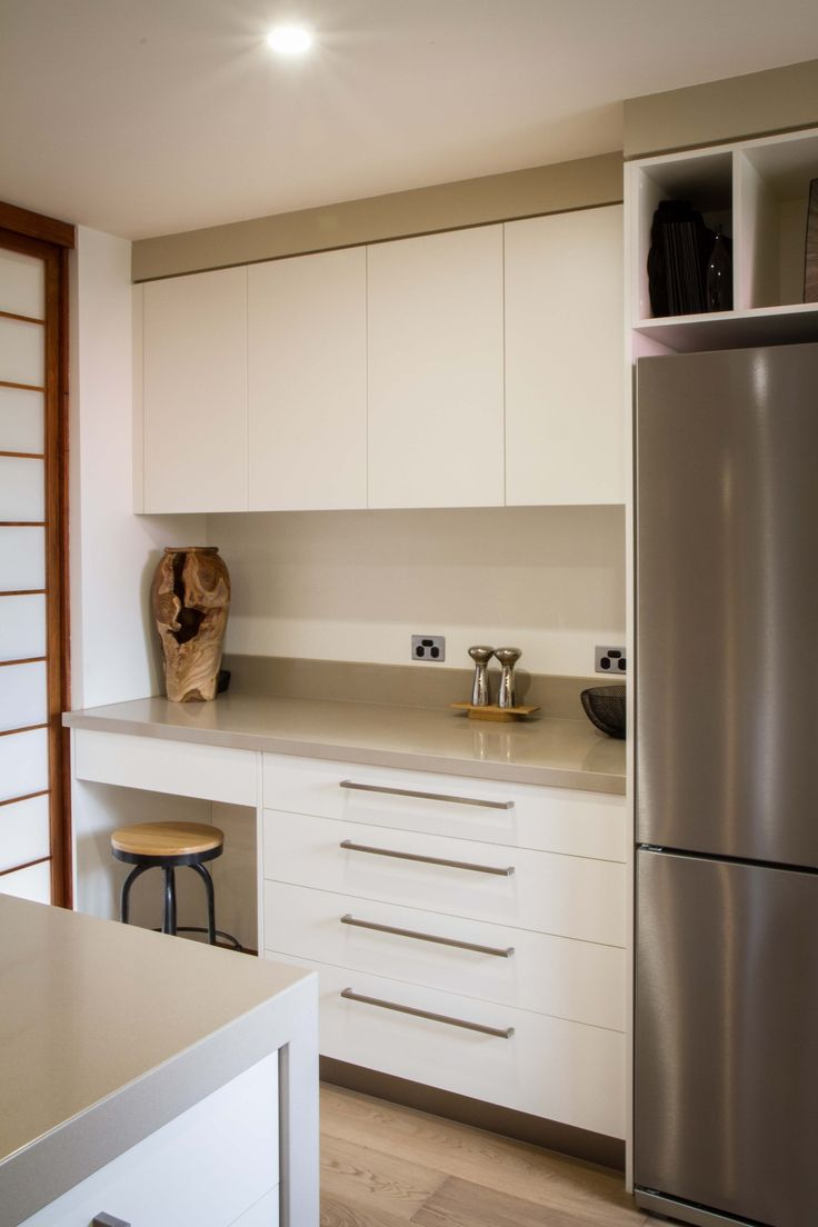 Caesarstone Linen has a natural and finely textured appearance offering warmth and an organic appearance.