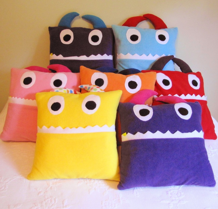 Pajama Monster Pillow Tutorial - Artisan in the Woods : sewing pattern for minion pillow  - pillowsntoast.com