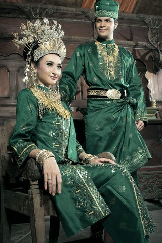 Traditional wedding uniform indonesia