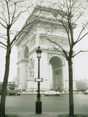 Great Picture of Arc de Triomphe and Place Charles de Gaulle in Paris