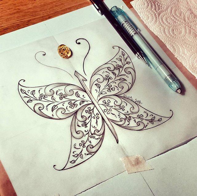 Belkide şurda kanatları olan bir elif vardır #elif #tezhip #kelebek #butterfly #tasarım #sketch #sketchbook #dilekşar