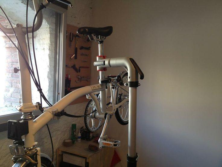 Cursos de mecánica básica para tod@s en Mobeo. ¡Aprende con nosotros! http://www.mataderomadrid.org/ficha/2953/curso-de-mecanica-basica-para-bicicletas.html