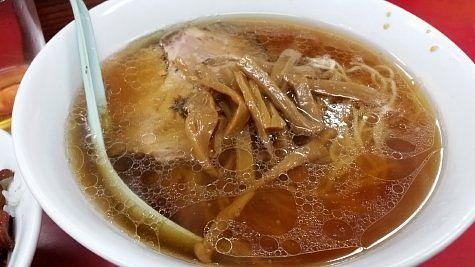 孤独のグルメ season5 の第10話に登場したラーメン菜苑へ4  この澄んだ鶏がらベースのスープはなかなかの絶品