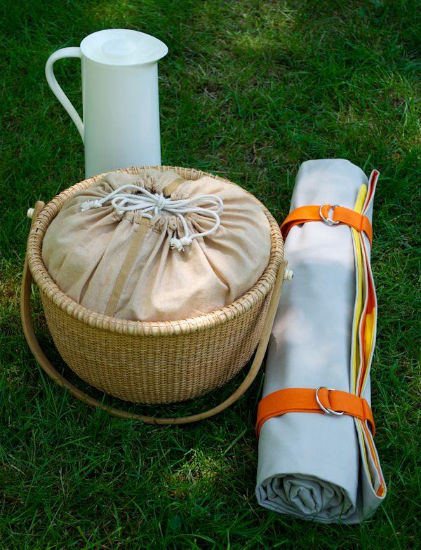 I love the basket instead big box ones! DIY roll-up picnic blanket.