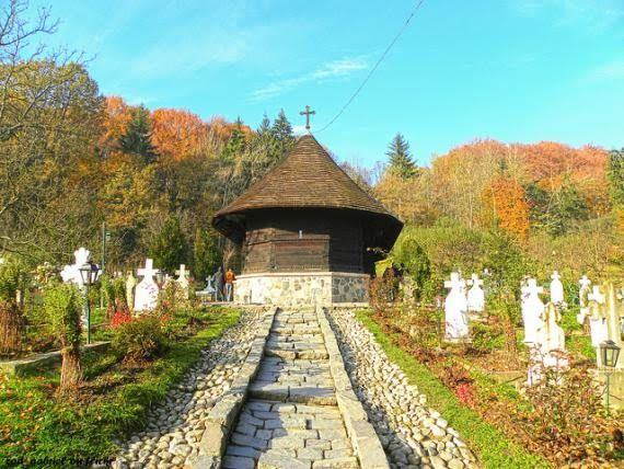 The One Wood Monastery (Dintr Un Lemn Manastirea) in Frincesti, Romania seems tiny and fairly unimpressive, until you realize it was constructed out of the wood from just one Oak tree.