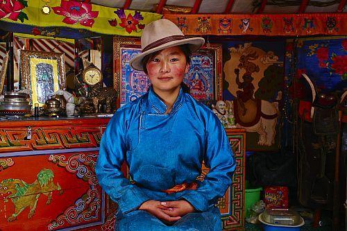 Mongolie, province de Bayankhongor, campement nomade, Uyang Batbaatar, 22 ans  Date prise de vue : 08/07/2014 Crédit : MORANDI Tuul et Bruno / hemis.fr