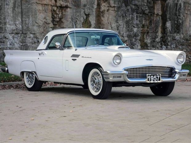 1957 Ford Thunderbird | Old Car | Amazing Classic Cars