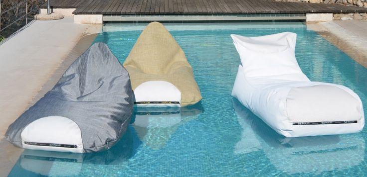 Pouf galleggianti per un'estate all'insegna del design http://www.design-miss.com/pouf-galleggianti-unestate-allinsegna-del-design/ Una collezione di #pouf galleggianti ideali per il mare, la piscina e tutti gli spazi all'aperto