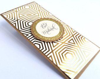 Dimensions : 6,25 po x 3 po Matériel : Haut de gamme carton  Ces détenteurs dargent Eid attrayants viennent dans une variété de couleurs et…