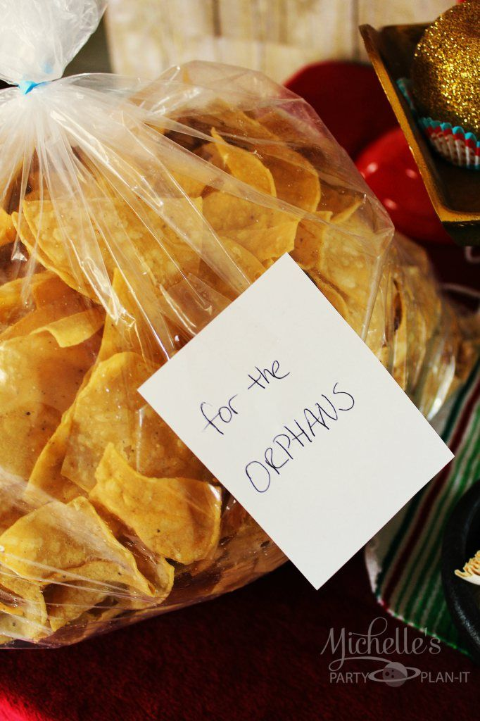 For the nacho bar, pre-bag the chips in appropriate serving sizes and label them this way. Bahahaha