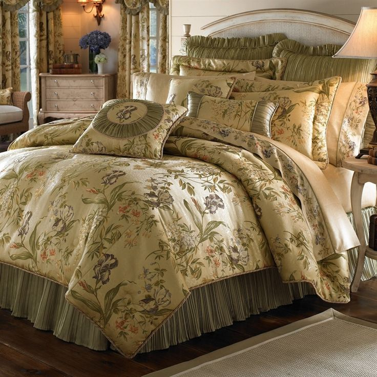 17 Best Images About Luxurious Traditional Comforter Sets On Pinterest Navy Gold Luxury