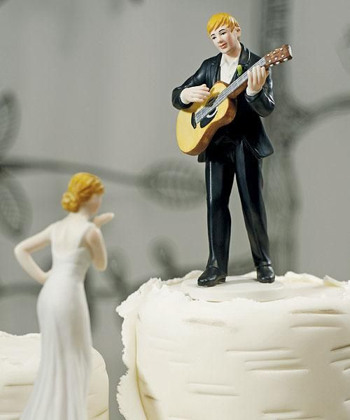 Guitar Wedding Cake Topper- I would die if this happened to me at my wedding!