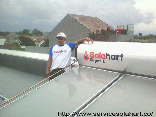 Layanan service solahart daerah bintaro jaya cabang teknisi jakarta selatan CV.SURYA MANDIRI TEKNIK siap melayani service maintenance berkala untuk alat pemanas air Solar Water Heater (SOLAHART-HANDAL) anda. Layanan jasa service solahart,handal,wika swh.edward,Info Lebih Lanjut Hubungi Kami Segera. Jl.Radin Inten II No.53 Duren Sawit Jakarta 13440 (Kantor Pusat) Tlp : 021-98451163 Fax : 021-50256412 Hot Line 24 H : 082213331122 / 0818201336 Website : www.servicesolahart.co