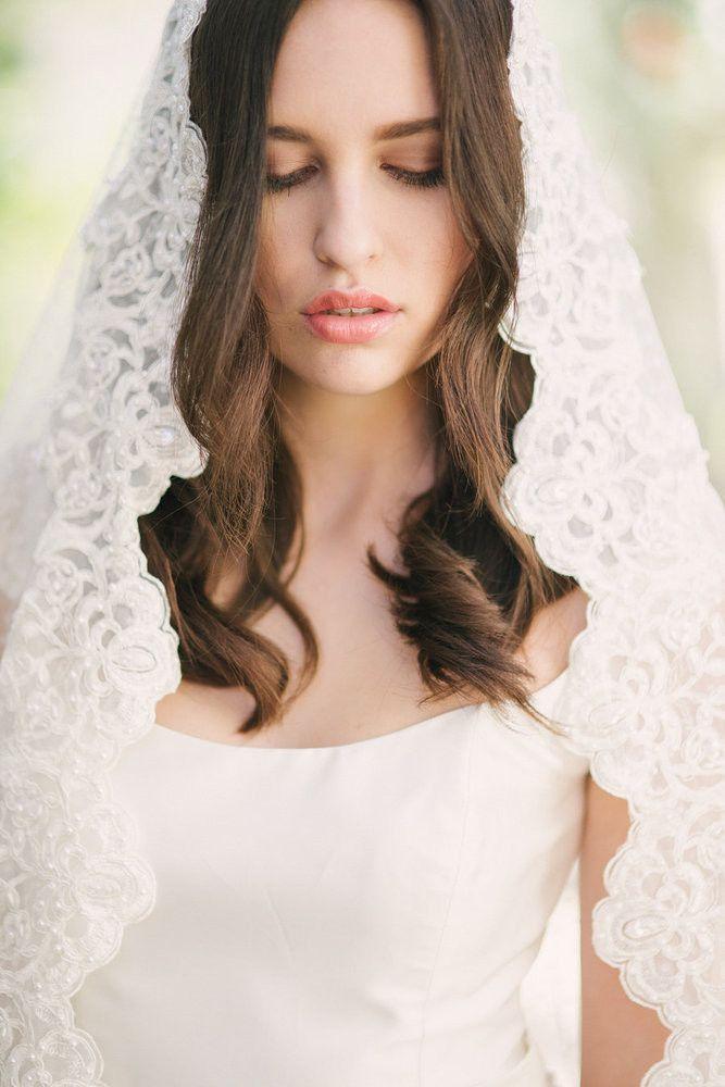 liebelein-will: Schleier - Braut - Spitze - weiß - lace - weddingchicks - Swiss Dot Mantilla veil   Tessa Kim