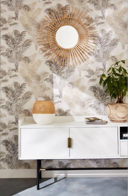On Adopte Un Style Exotique Chic Avec Ce Papier Peint Tropical, Un Miroir  Soleil En
